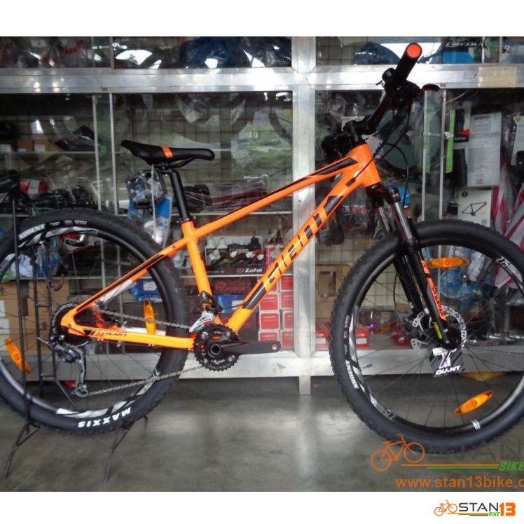 Giant Talon 2 27.5 Model 2019 2 x 9 Speed TUBELESS