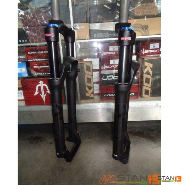 Fork Suntour XCR Stealth ALL BLACK Model Magnesium Lower Manual Lock