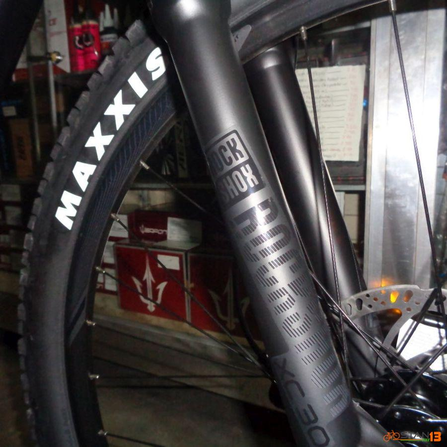 GIANT TALON 2 27.5 2020 MODEL 2 x 9 Speed ROCKSHOX FORK