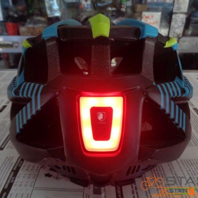 Helmet Aeroic Helmet with USB Light