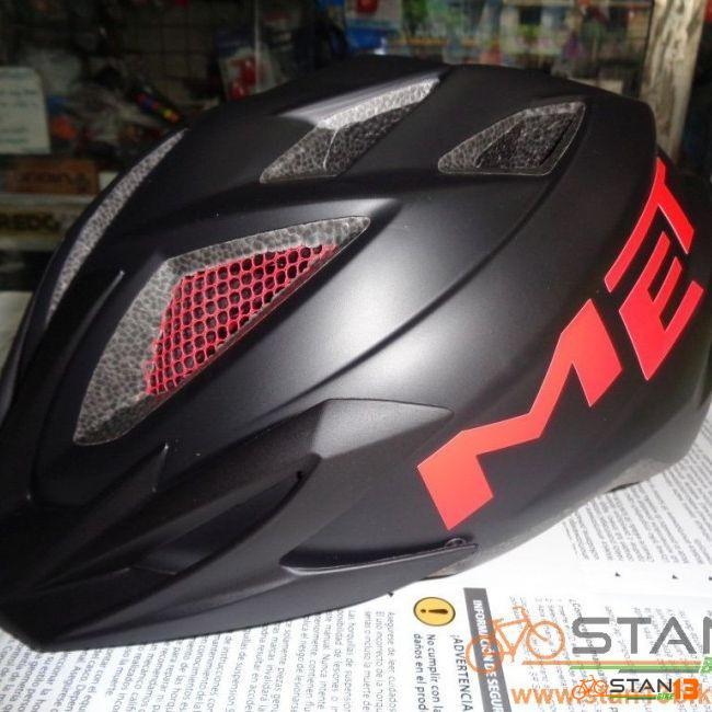 Helmet MET Crackerjack In Mould with Light